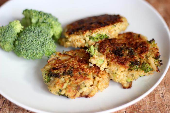 broccoli cheddar quinoa cakes - 1