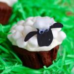 TheInspiredHome.org // Shaun the Sheep cupcakes