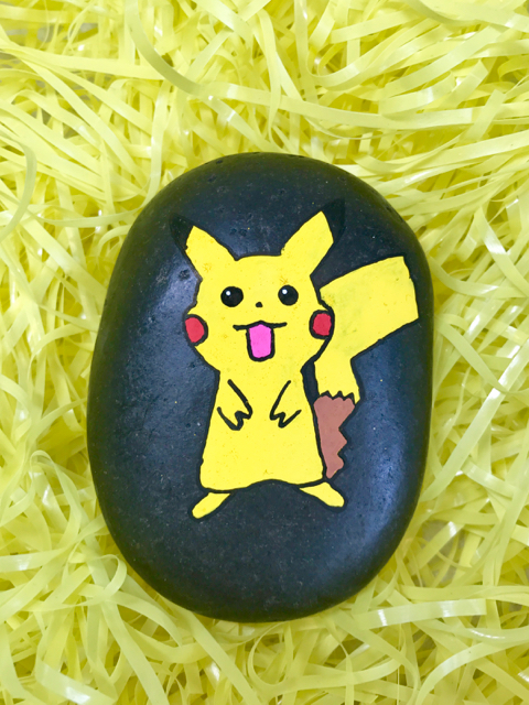 TheInspiredHome.org // Pokemon Go Easter Eggs. Dollar store DIY some adorable Pokemon eggs for your pokemaster this Easter!
