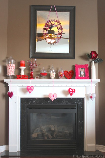 Inspiration for your Valentine's Day fireplace mantel from TheInspiredHome.org