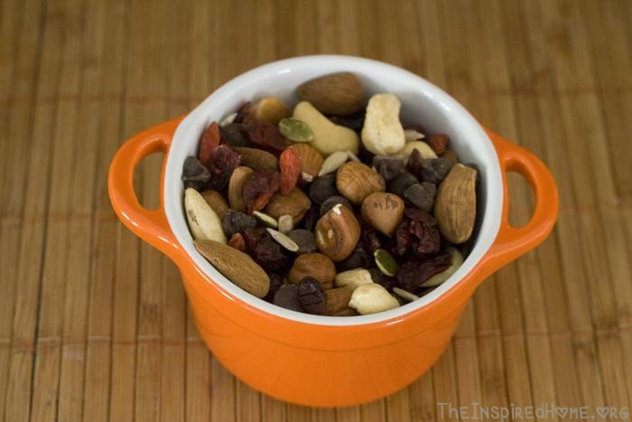 TheInspiredHome.org // Road Trip Snacks for Families - Trail Mix