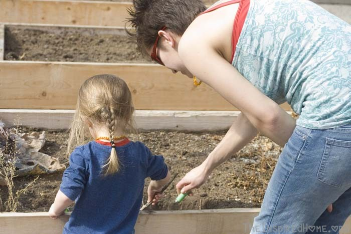 Earth Day Playdate // Diggin in the Dirt