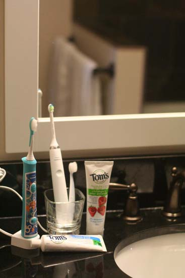 TheInspiredHome.org // Our Current Favourite Flouride-Free Toothpaste for Children #SonicareSmiles