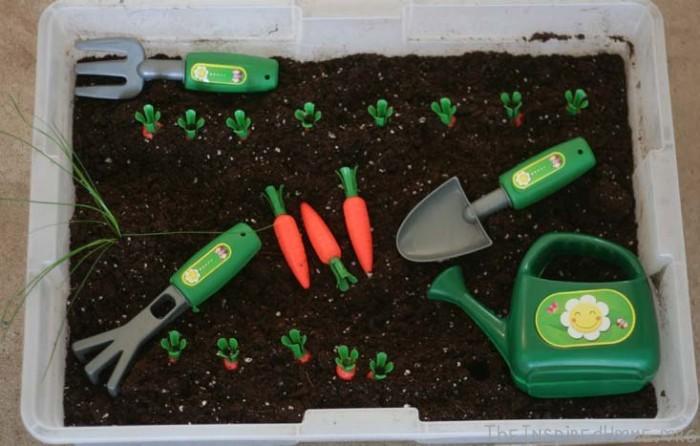 TheInspiredHome.org // Dirt Mini Garden Sensory Bin
