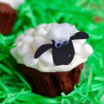 TheInspiredHome.org // Shaun the Sheep cupcakes
