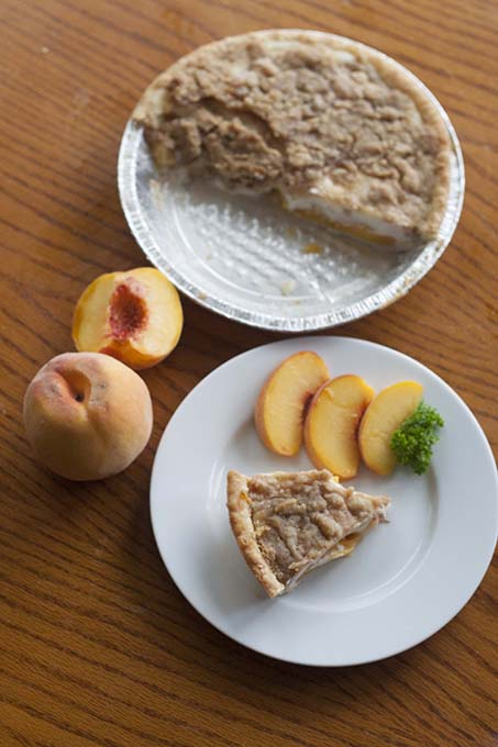 TheInspiredHome.org // Peaches and Cream Pie. Perfect for fresh peach season.