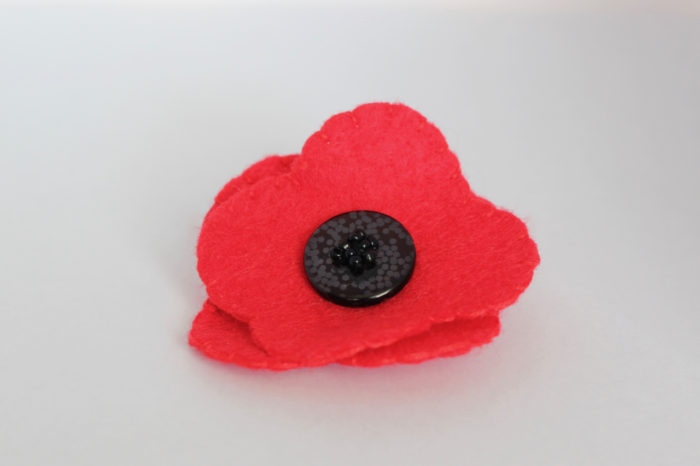 TheInspiredHome.org // DIY Felt Poppy for Remembrance Day / Veterans Day