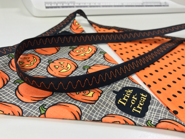 TheInspiredHome.org // Simple DIY 1-Hour Halloween Bunting