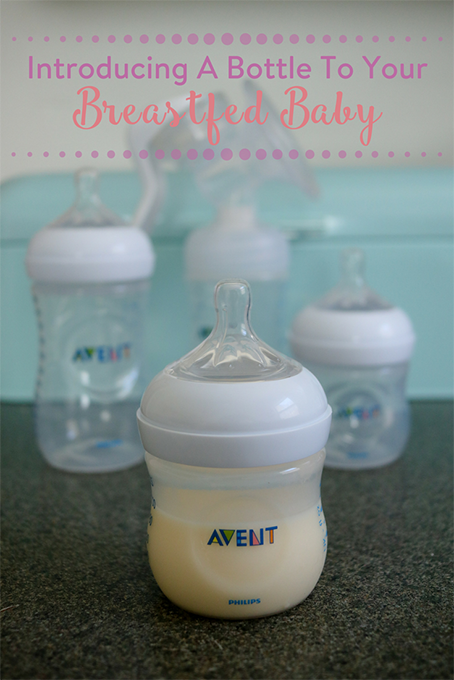 TheInspiredHome.org // Deciding on a bottle for breastfed babies can be a daunting task. We are here to help with a few tips for introducing a baby bottle.